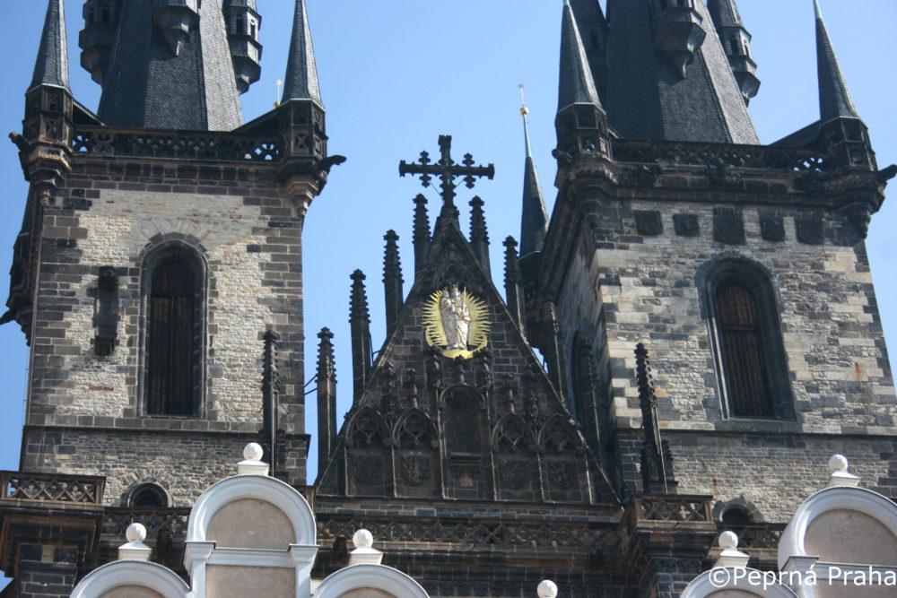 Týnský chrám, Tycho de Brahe, Perlička prasátka Pepříka
