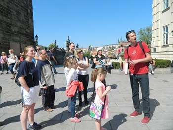 Křižovnické náměstí, Peprná procházka, procházky po Praze pro děti, volný čas s dětmi v Praze