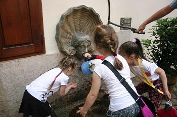 nádvoří, Valdštejský palác, Peprná procházka, procházky po Praze pro děti, volný čas s dětmi v Praze