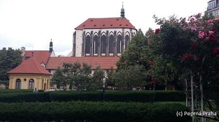 Františkánská zahrada, kostel Panny Marie Sněžné, zahradní domek